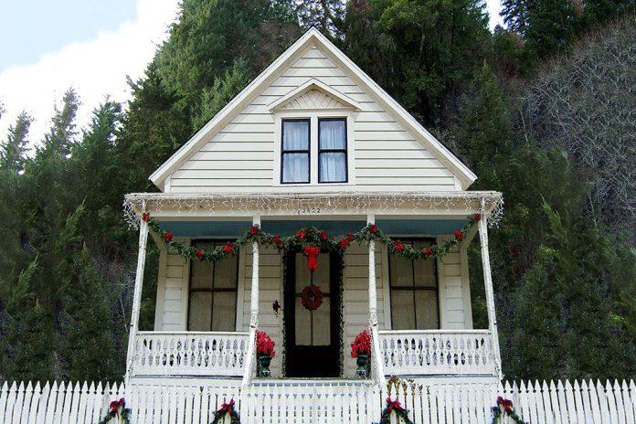 House Plan 915: 3 Bedroom tiny house