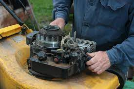 Mower engine blow dirt in air filter